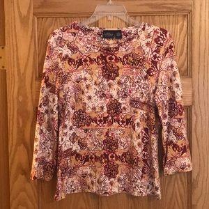 3/4 sleeve patterned shirt